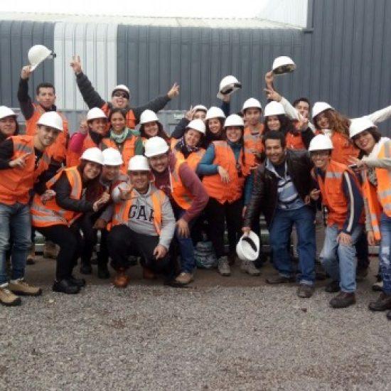 Alumnos de Técnico en Prevención de Riesgos visitaron fábrica de productos para proyectos de infraestructura
