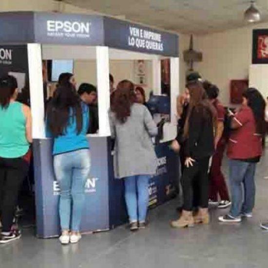 Estudiantes de Los Leones se beneficiaron con impresiones gratuitas