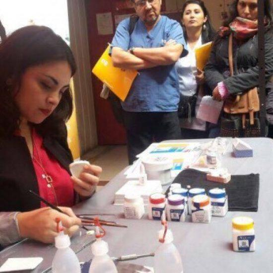 Alumnos de Laboratorista Dental del IPLL conocieron últimas novedades en materiales e insumos dentales