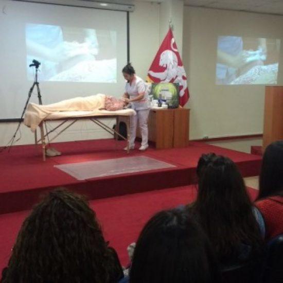 Estética Integral realizó demostración práctica sobre tratamiento facial y corporal para sus estudiantes