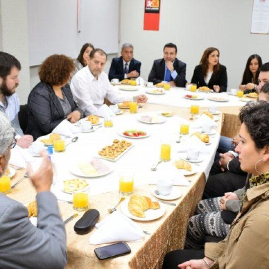 Carrera de Hotelería de Los Leones firmó importante convenio con reconocidas cadenas hoteleras