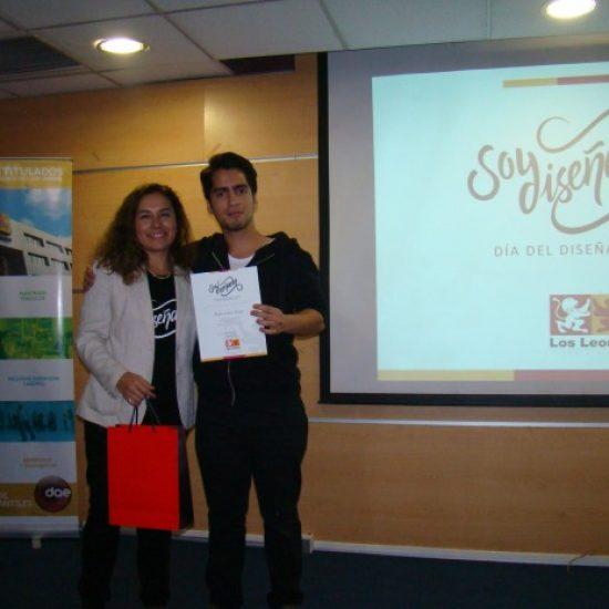 Carrera de Diseño Gráfico Publicitario premió a estudiante por creativa imagen corporativa