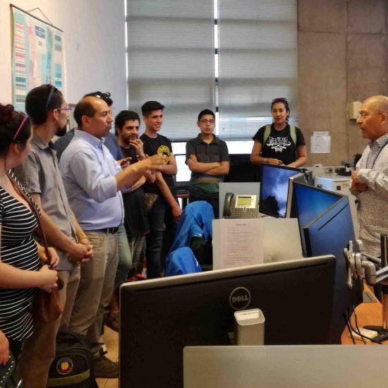Estudiantes de la carrera de Prevención de Riesgos visitaron Centro Nacional de Sismología de la U. de Chile