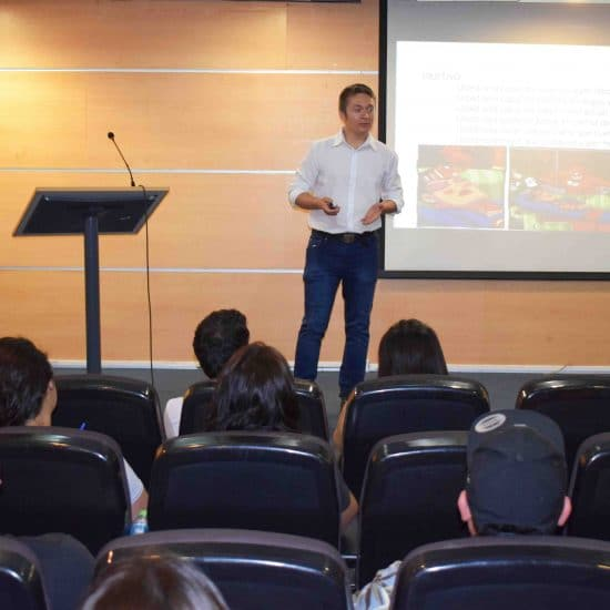 Turismo Sustentable realizó taller de prevención de riesgos y primeros auxilios para sus egresados