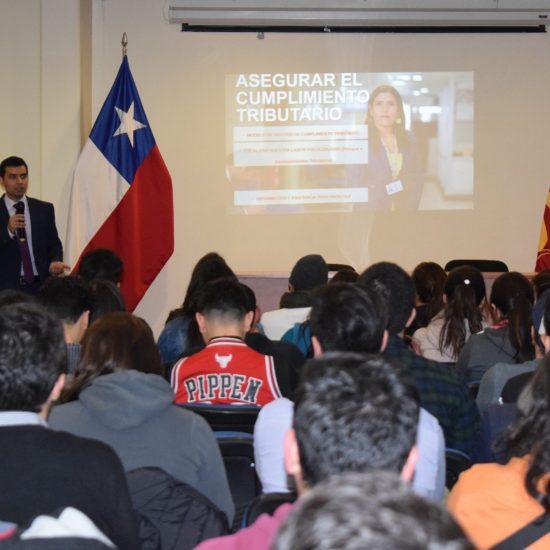 SII realizó charla sobre nuevo sistema de creación de sociedades en nuestro IP Los Leones