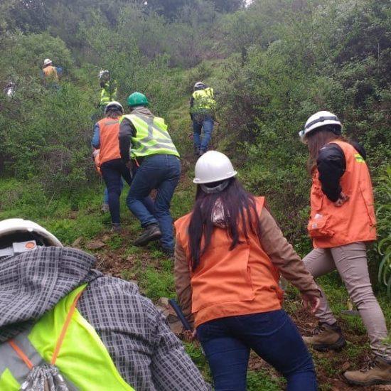 Estudiantes de Técnico en Minería y Técnico en Geología visitan Minera Los Molles