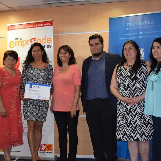 Más de 50 emprendedores se certificaron en Taller de Alfabetización Digital impartido por nuestros estudiantes
