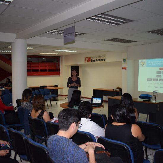 Defensora Nacional de la Infancia dio charla para titulados de la Escuela de Educación y Ciencias Sociales