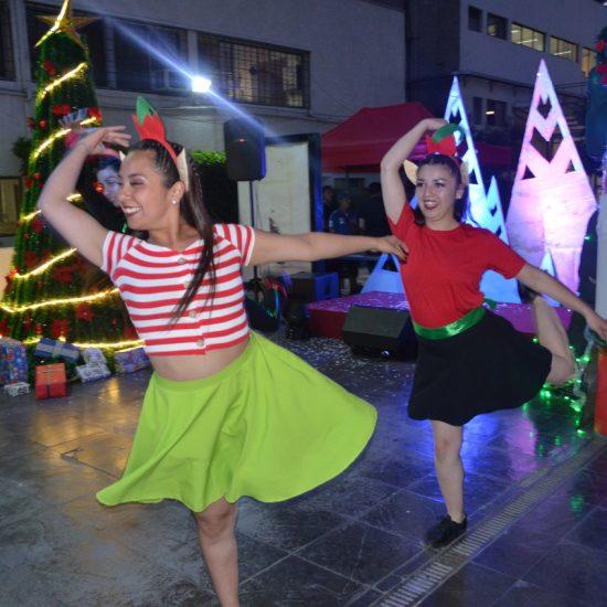 Estudiantes de Técnico en Producción de Eventos trajeron la magia de la Navidad al IPLL