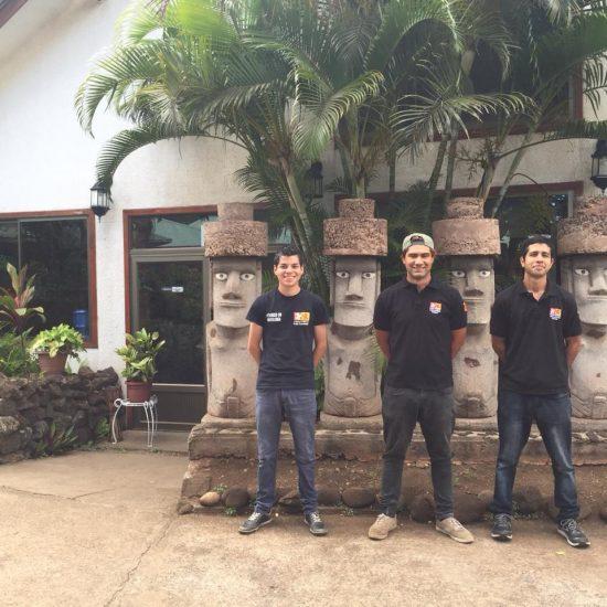 Estudiantes de Técnico en Hotelería realizan su práctica laboral en Isla de Pascua